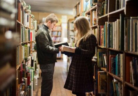 Livrarias: jovens, leituras ehumor